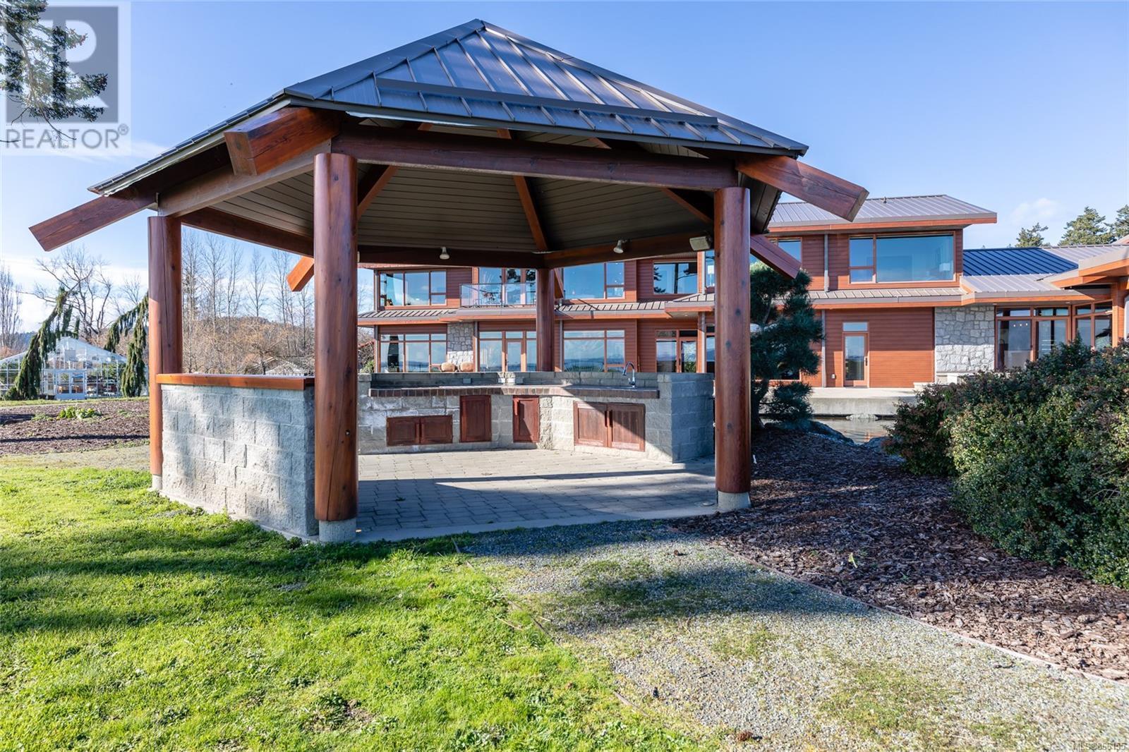 3275 Campion RdCentral Saanich, British Columbia  V8M 1W7 - Photo 77 - 866155