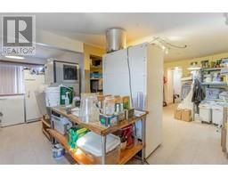 100 East Point Rd-Property-23142778-Photo-40.jpg