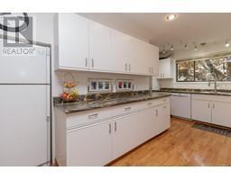 1854 Myhrest Rd-Property-23223230-Photo-22.jpg
