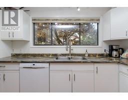 1854 Myhrest Rd-Property-23223230-Photo-23.jpg