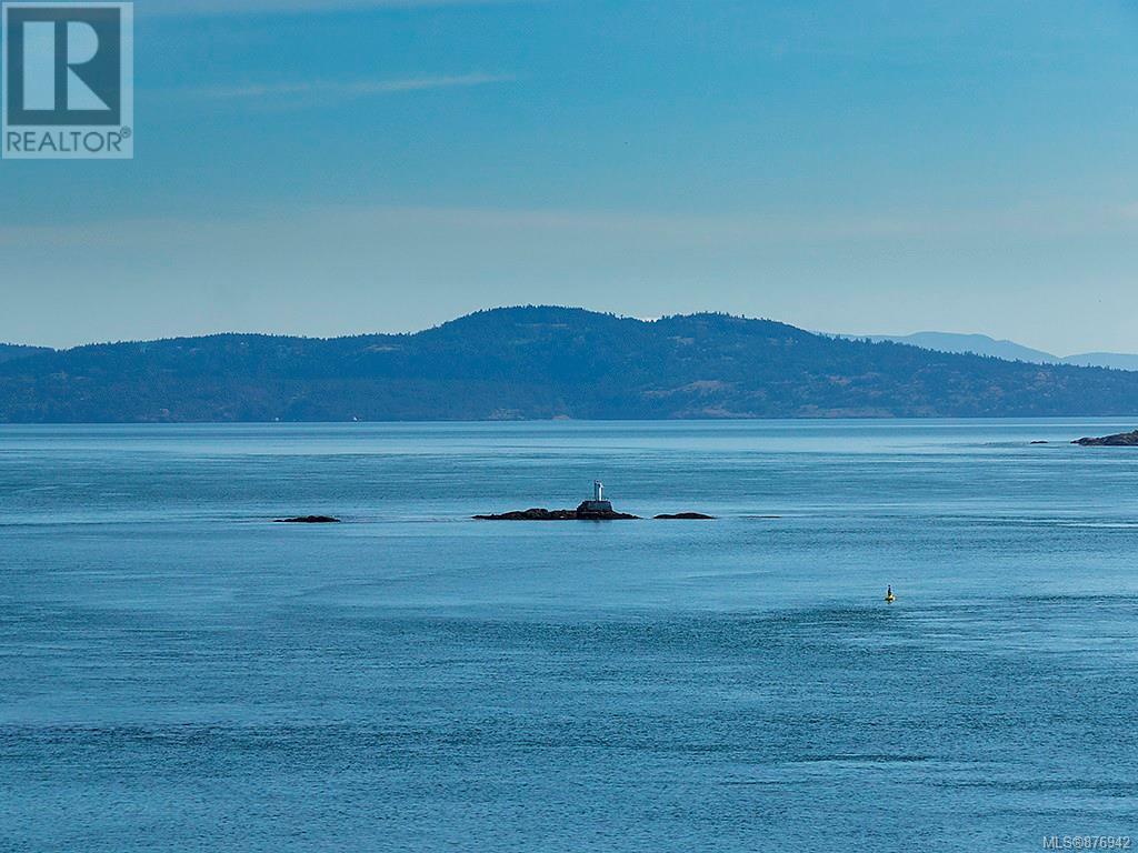 504 1175 Beach DrOak Bay, British Columbia  V8S 2N2 - Photo 37 - 876942