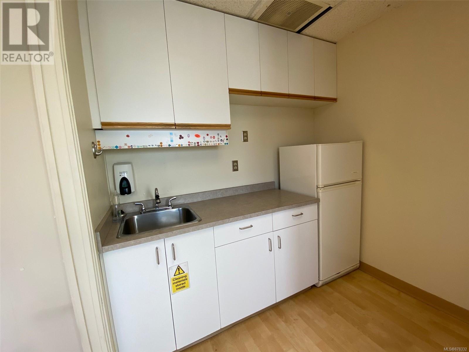 2nd Flr 1623 Mckenzie AveSaanich, British Columbia  V8N 1A6 - Photo 6 - 878332