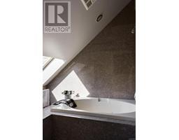 4035 Locarno Lane-Property-23432054-Photo-50.jpg