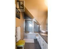4035 Locarno Lane-Property-23432054-Photo-52.jpg
