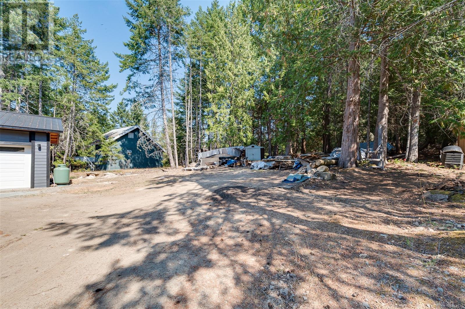 560 Dinner Bay RdMayne Island, British Columbia  V0N 2J2 - Photo 38 - 884576