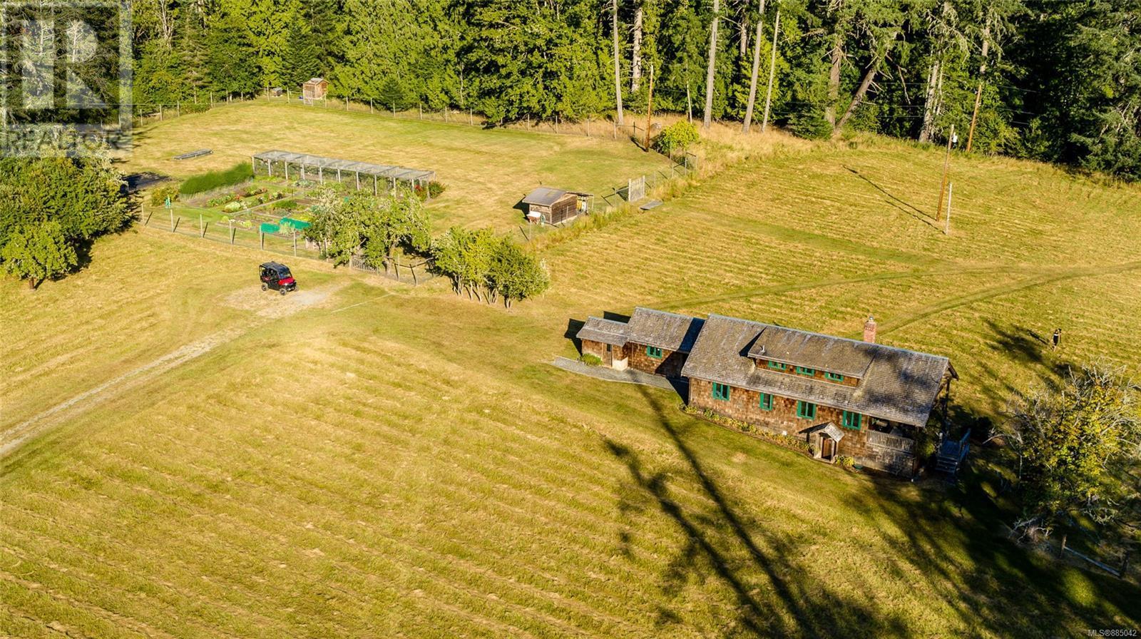 230 Smith RdSalt Spring, British Columbia  V8K 2A9 - Photo 33 - 885042