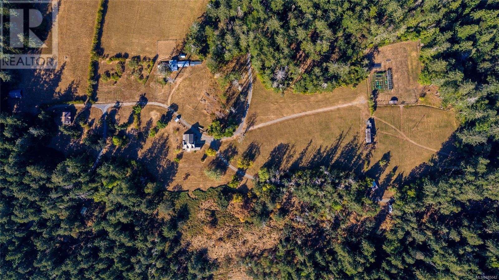 230 Smith RdSalt Spring, British Columbia  V8K 2A9 - Photo 6 - 885042