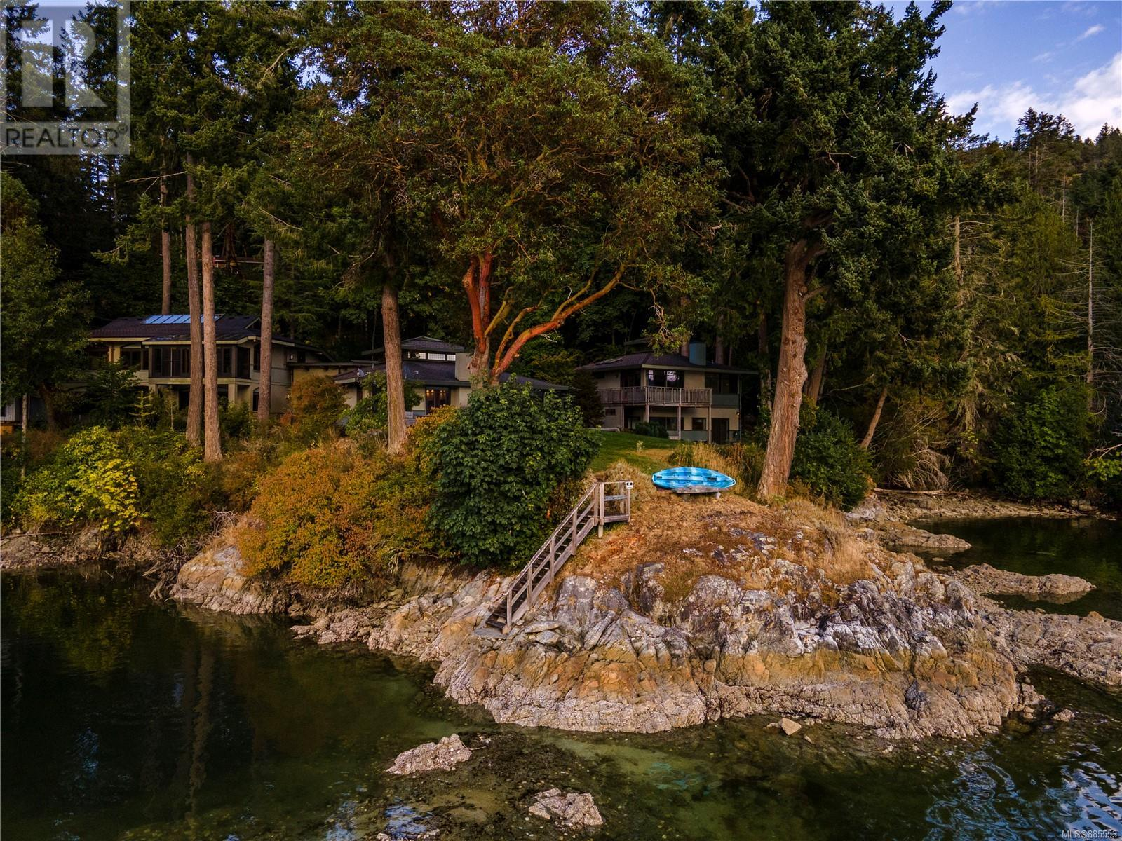 241 Morningside RdSalt Spring, British Columbia  V8K 1N8 - Photo 1 - 885553