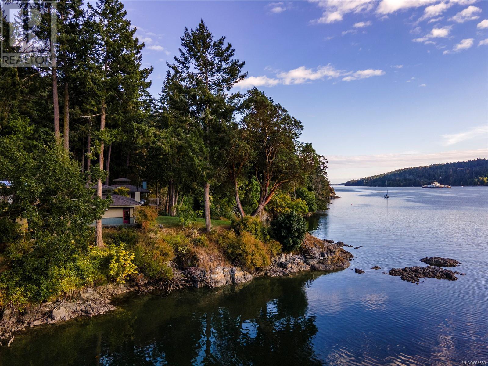 241 Morningside RdSalt Spring, British Columbia  V8K 1N8 - Photo 3 - 885553