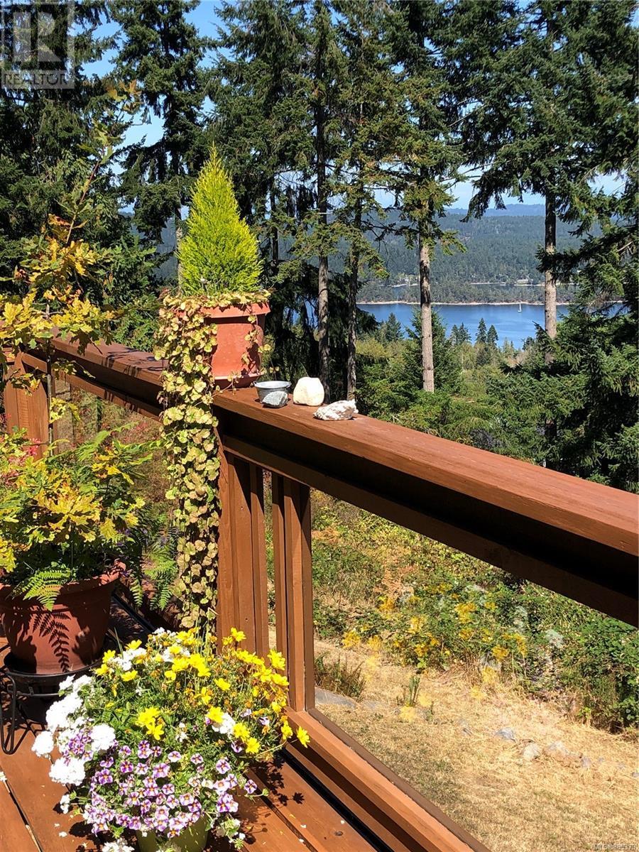 195 Old Divide RdSalt Spring, British Columbia  V8K 2G7 - Photo 6 - 885373