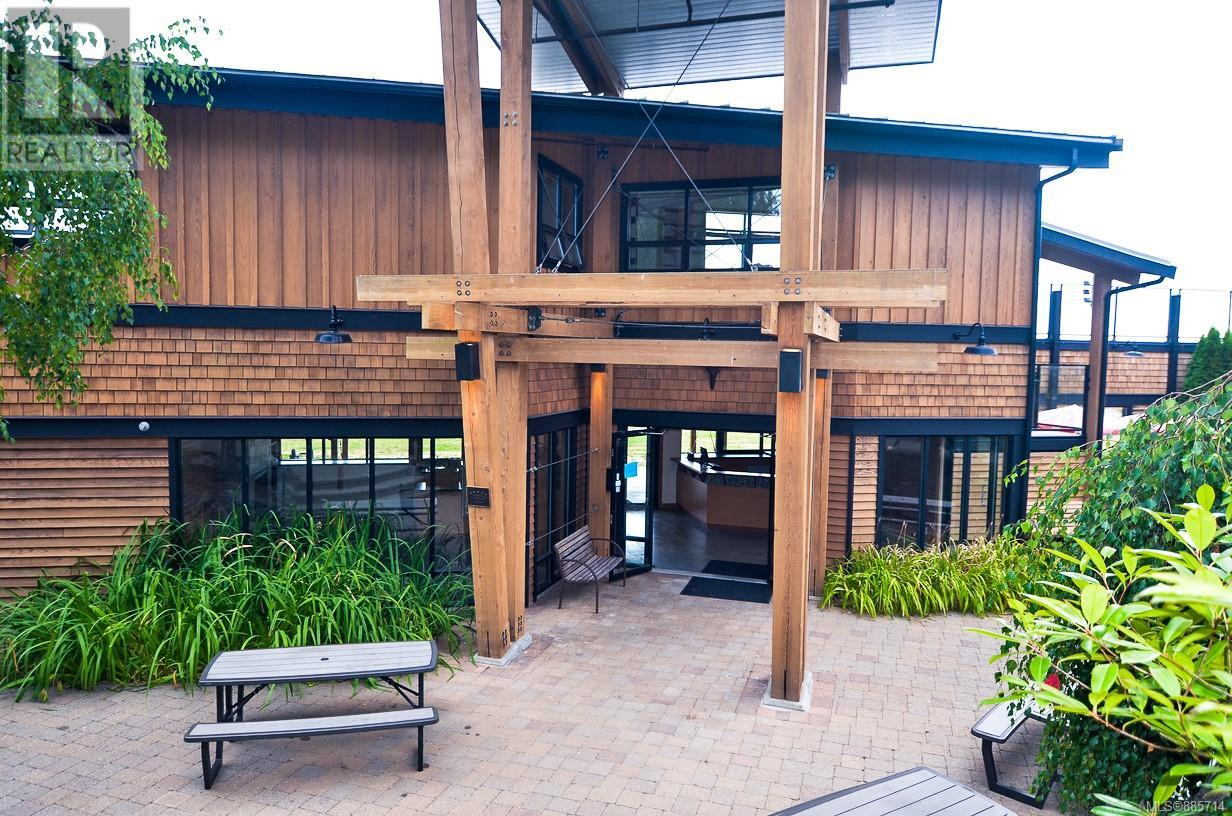 7081 Central Saanich RdCentral Saanich, British Columbia  V8M 1Y3 - Photo 2 - 885714