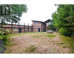 7081 Central Saanich Rd-Property-23606973-Photo-15.jpg