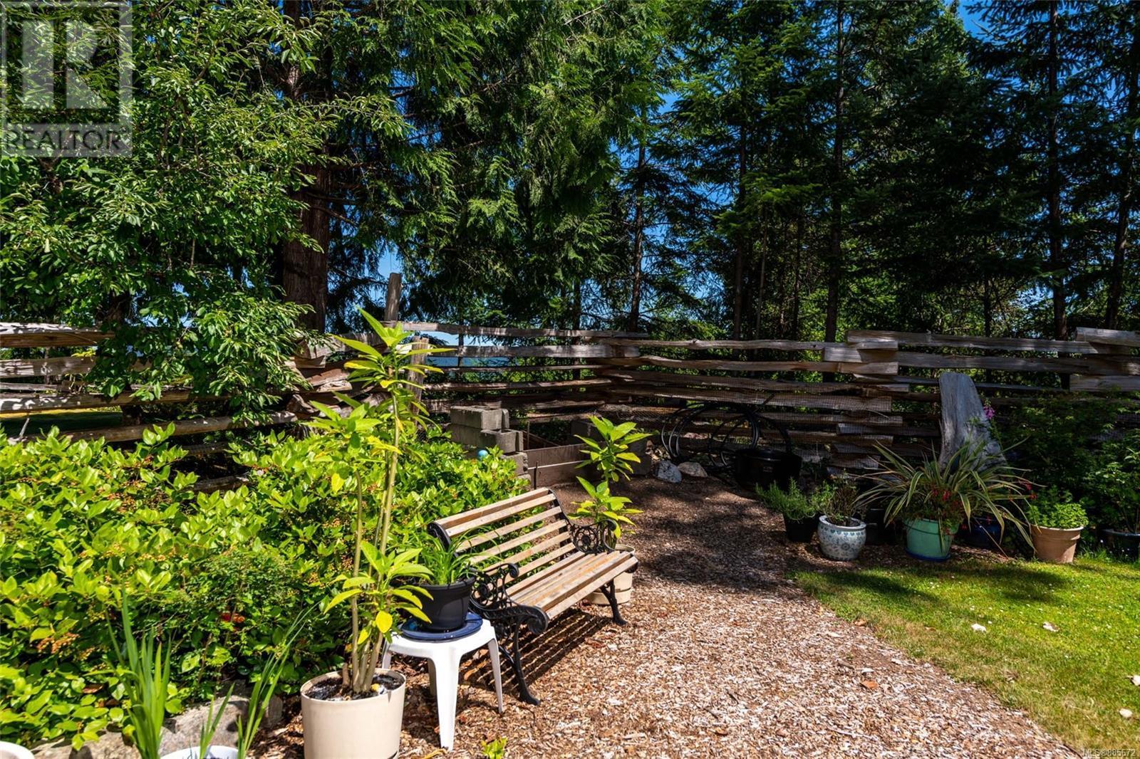 111 Blue Stone DrSalt Spring, British Columbia  V8K 1A6 - Photo 4 - 885672