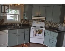 2004 135 Brinkworthy Rd-Property-23679390-Photo-5.jpg