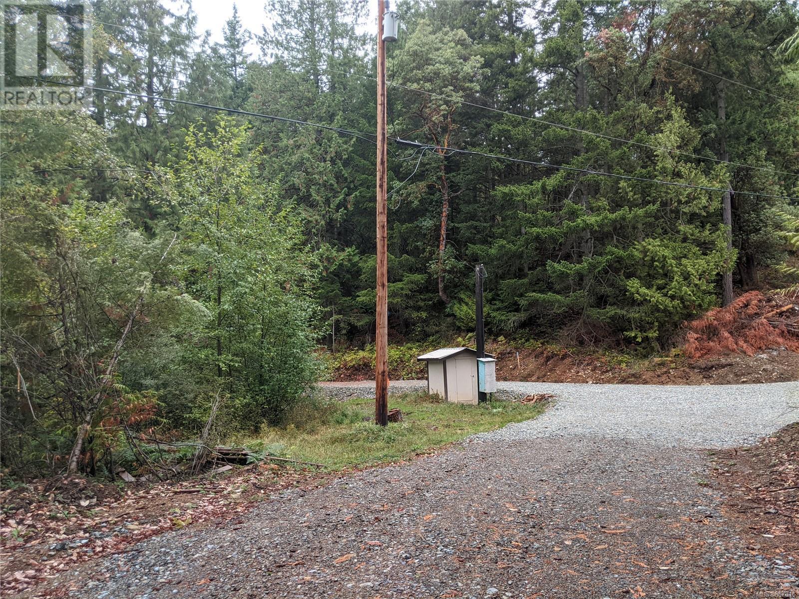 440 Ebadora LaneMalahat, British Columbia  V0R 2L0 - Photo 4 - 887316
