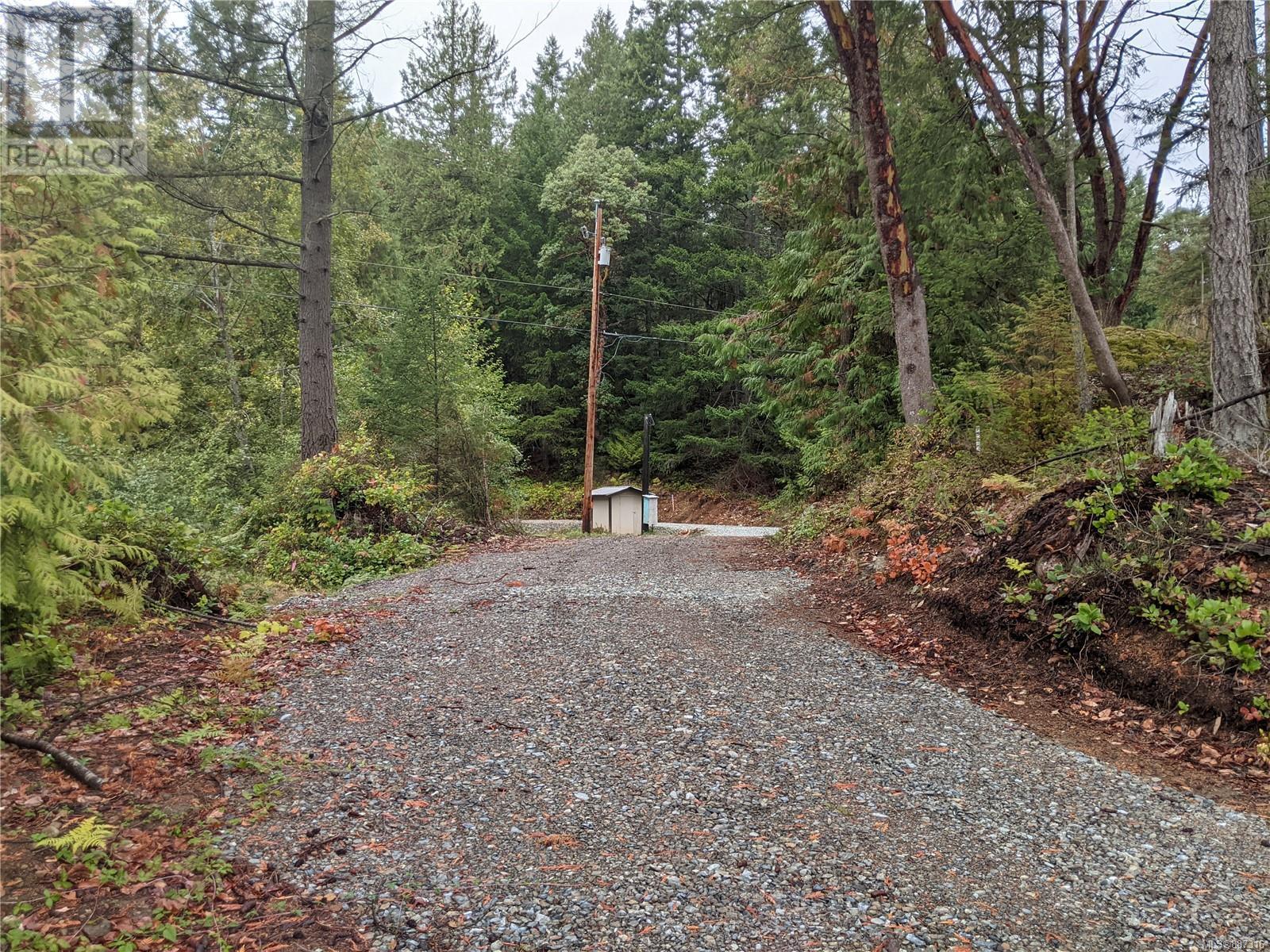 440 Ebadora LaneMalahat, British Columbia  V0R 2L0 - Photo 5 - 887316