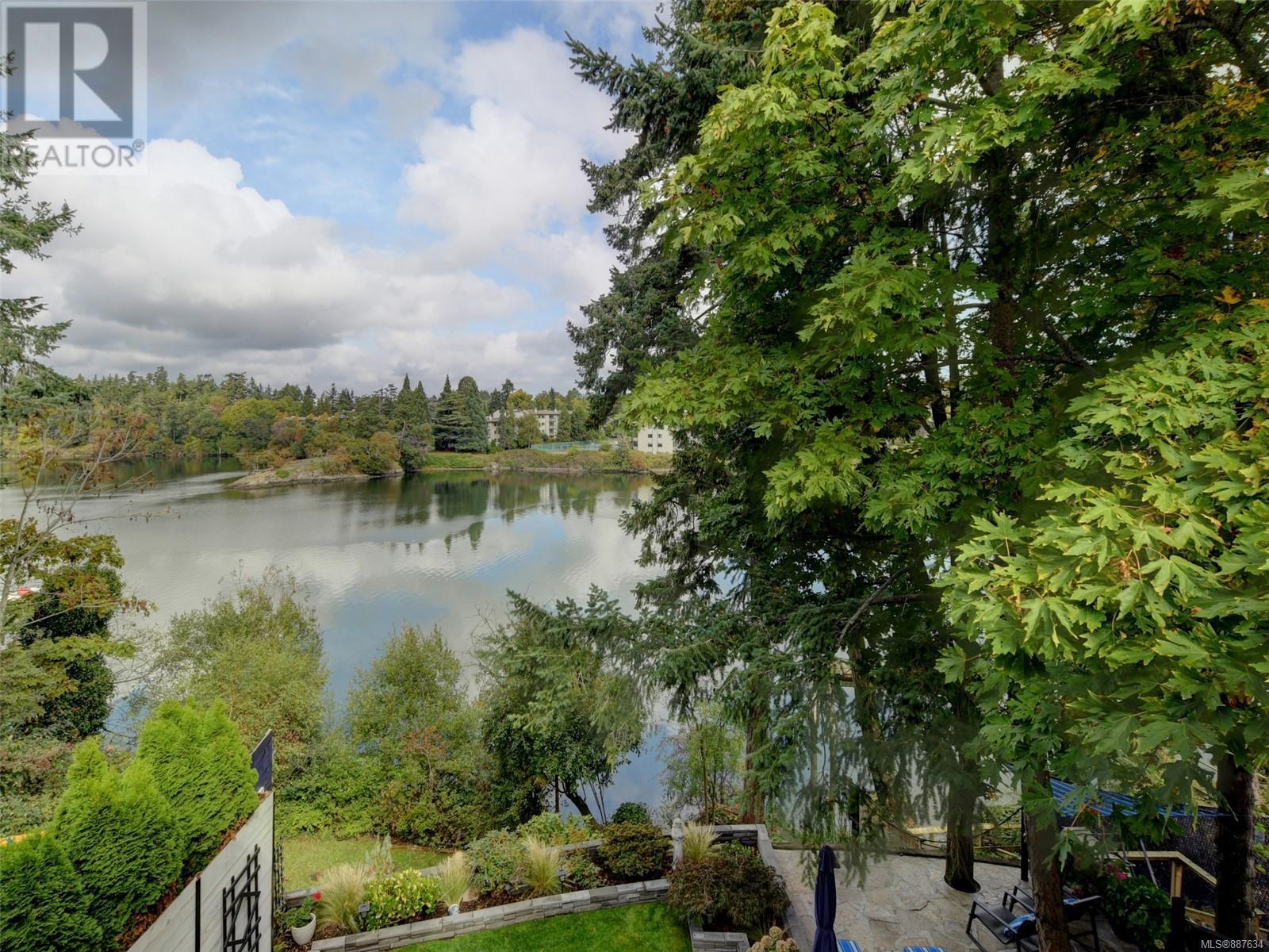 3 1004 Decosta PlEsquimalt, British Columbia  V9A 6Y3 - Photo 18 - 887634