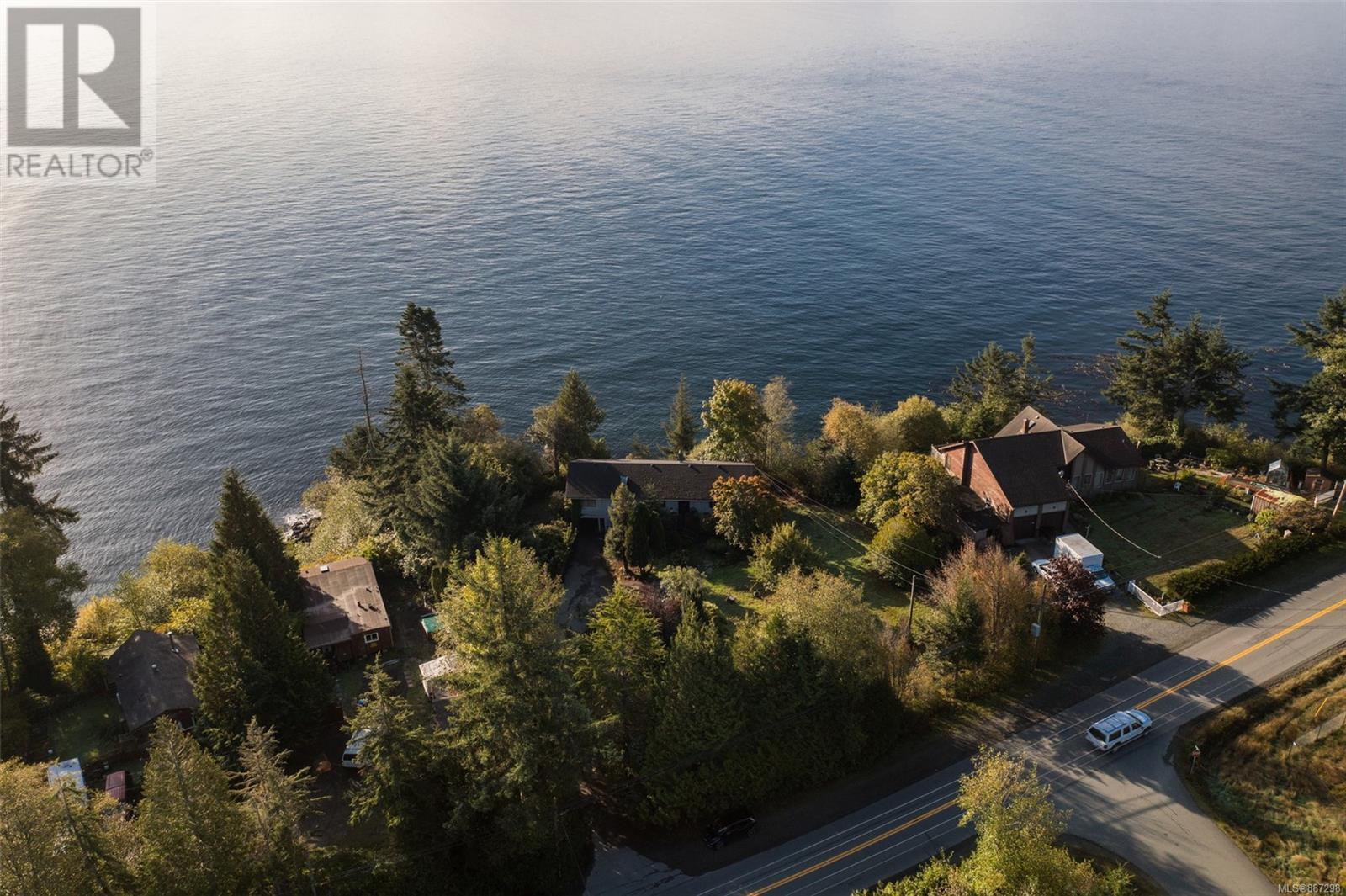 8233 West Coast RdSooke, British Columbia  V9Z 1E1 - Photo 2 - 887298