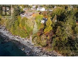 8233 West Coast Rd-Property-23703832-Photo-11.jpg