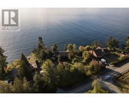 8233 West Coast Rd-Property-23703832-Photo-2.jpg
